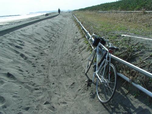 bikeroad.jpg